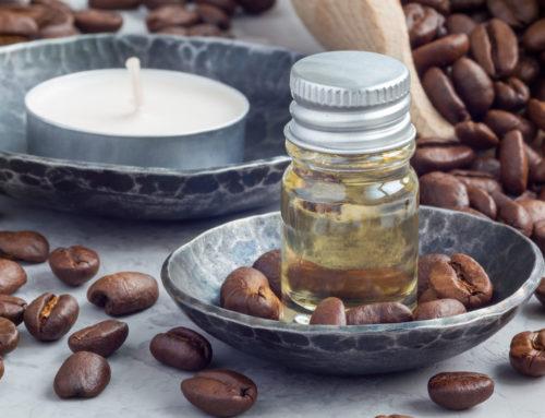 Como cosméticos à base de cafeína tratam a gordura localizada?